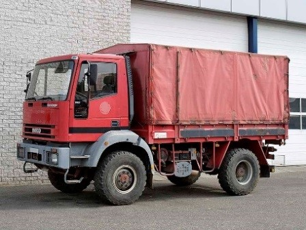 Large stock of used 4x4 trucks