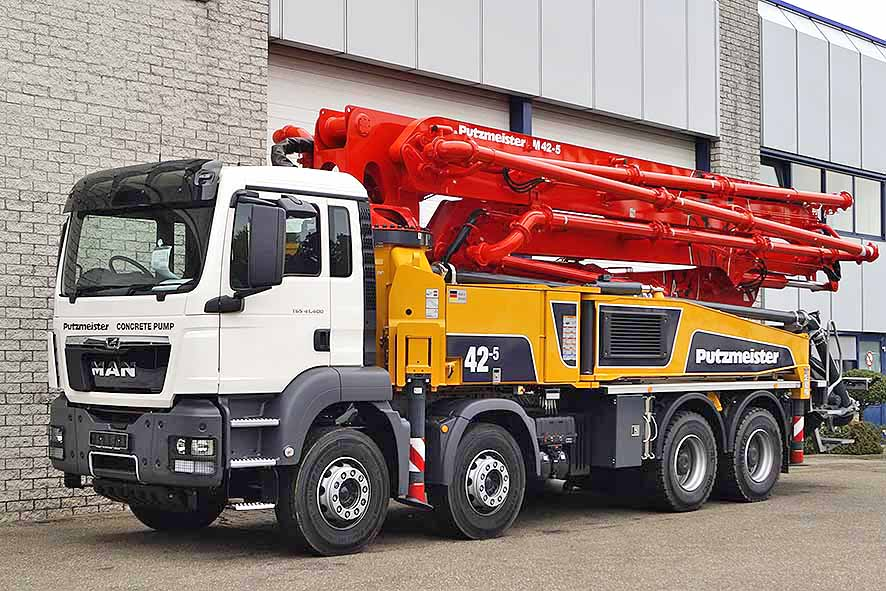 Heavy duty concrete pump delivered