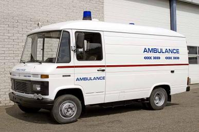 MERCEDES 508 AMBULANCE