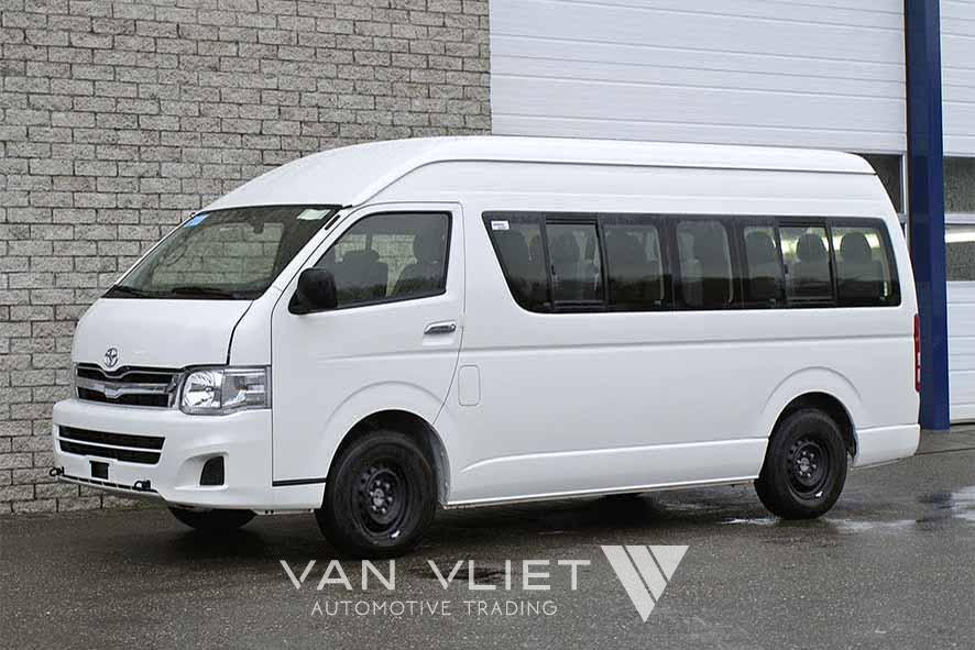 Toyota HIACE HIGH ROOF MINI BUS