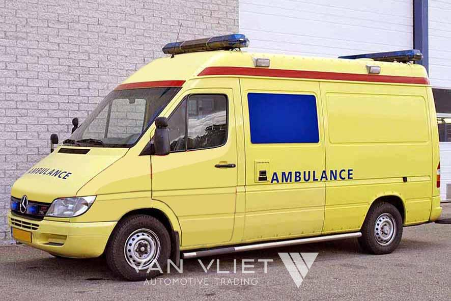 mercedes 316 cdi 4x2 ambulance van vliet automotive trading camions neufs et d 39 occasion. Black Bedroom Furniture Sets. Home Design Ideas
