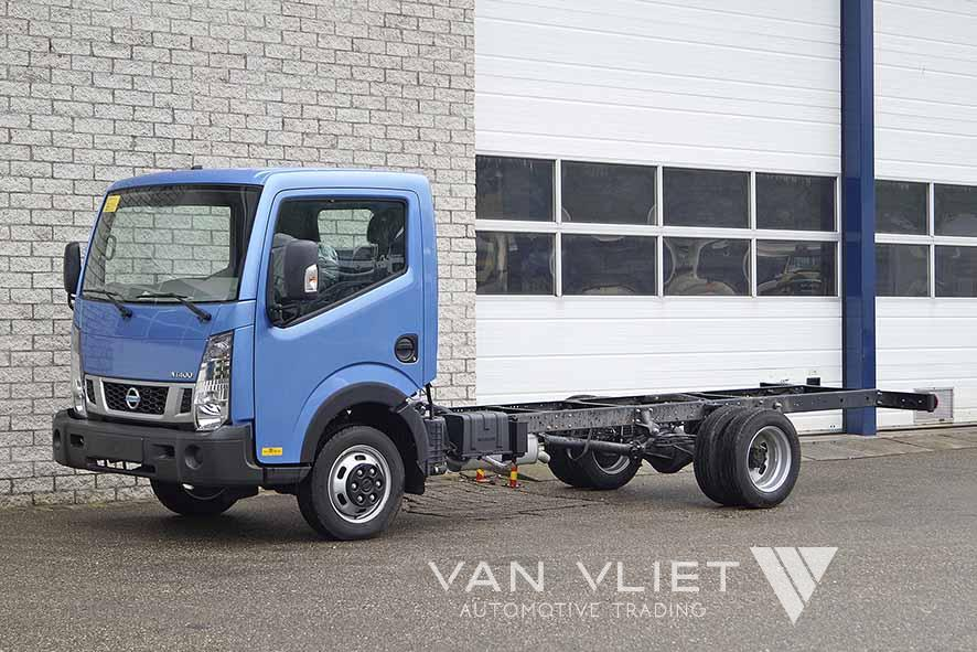 NISSAN CABSTAR NT400 4X2 CHASSIS CABIN
