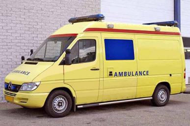 MERCEDES 316 CDI 4X2 AMBULANCE