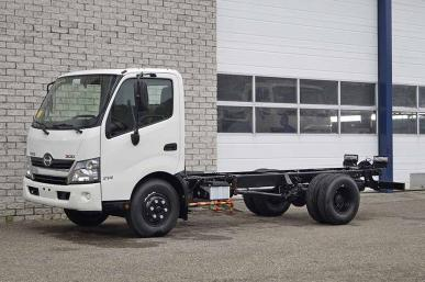 Hino 300-714 4X2 CHASSIS CABIN