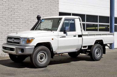 TOYOTA LANDCRUISER PICK-UP