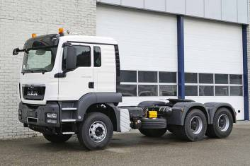 MAN TGS 33.400 BB-WW 6X4 TRACTOR HEAD