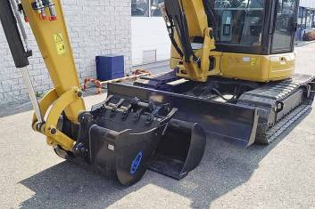 CATERPILLAR 305E2 CR MINI EXCAVATOR