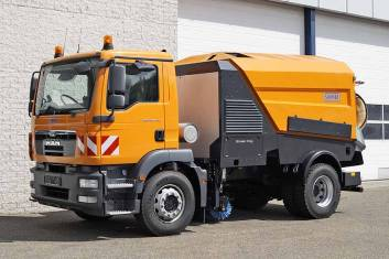 MAN TGM 18.240 4X2 SWEEPER TRUCK R