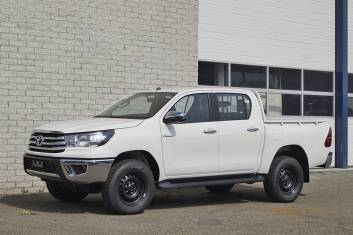 TOYOTA HILUX DC 2.4TD DOUBLE CAB PICK-UP