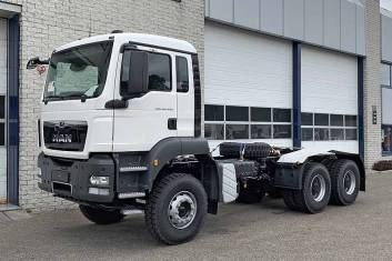 MAN TGS 40.400 BB-WW 6X4 CHASSIS CABIN