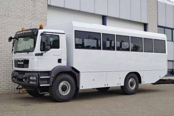 MAN TGM 18.240 BB 4X4 BUS