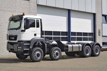 MAN TGS 41.400 BB-WW 8X8 CHASSIS CABIN