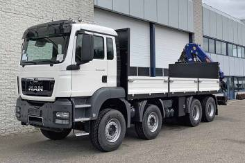 MAN TGS 41.400 BB-WW AT 8X4 FLATBED WITH CRANE