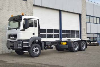 MAN TGS 33.400 BB-WW 6x4 CHASSIS CABIN