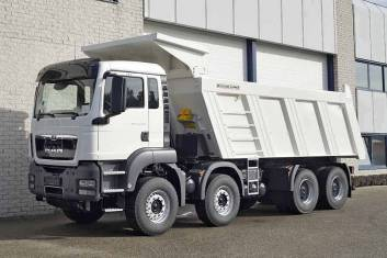 MAN TGS 41.400 BB-WW AT 8X4 TIPPER TRUCK