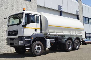 MAN TGS 40.400 BB-WW FUEL TANK TRUCK