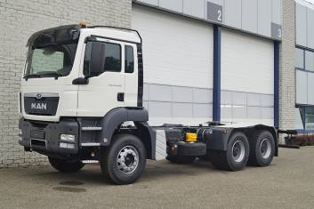 9x MAN TGS 33.400 BB-WW CHASSIS CABIN