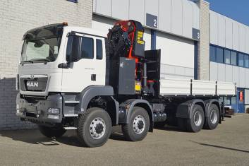MAN TGS 41.440 BB-WW FLATBED WITH CRANE