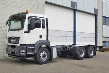 2x MAN TGS 33.400 BB-WW 3900mm CHASSIS CABIN
