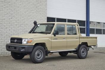 TOYOTA LAND CRUISER HZJ79L DOUBLE CAB PICK-UP